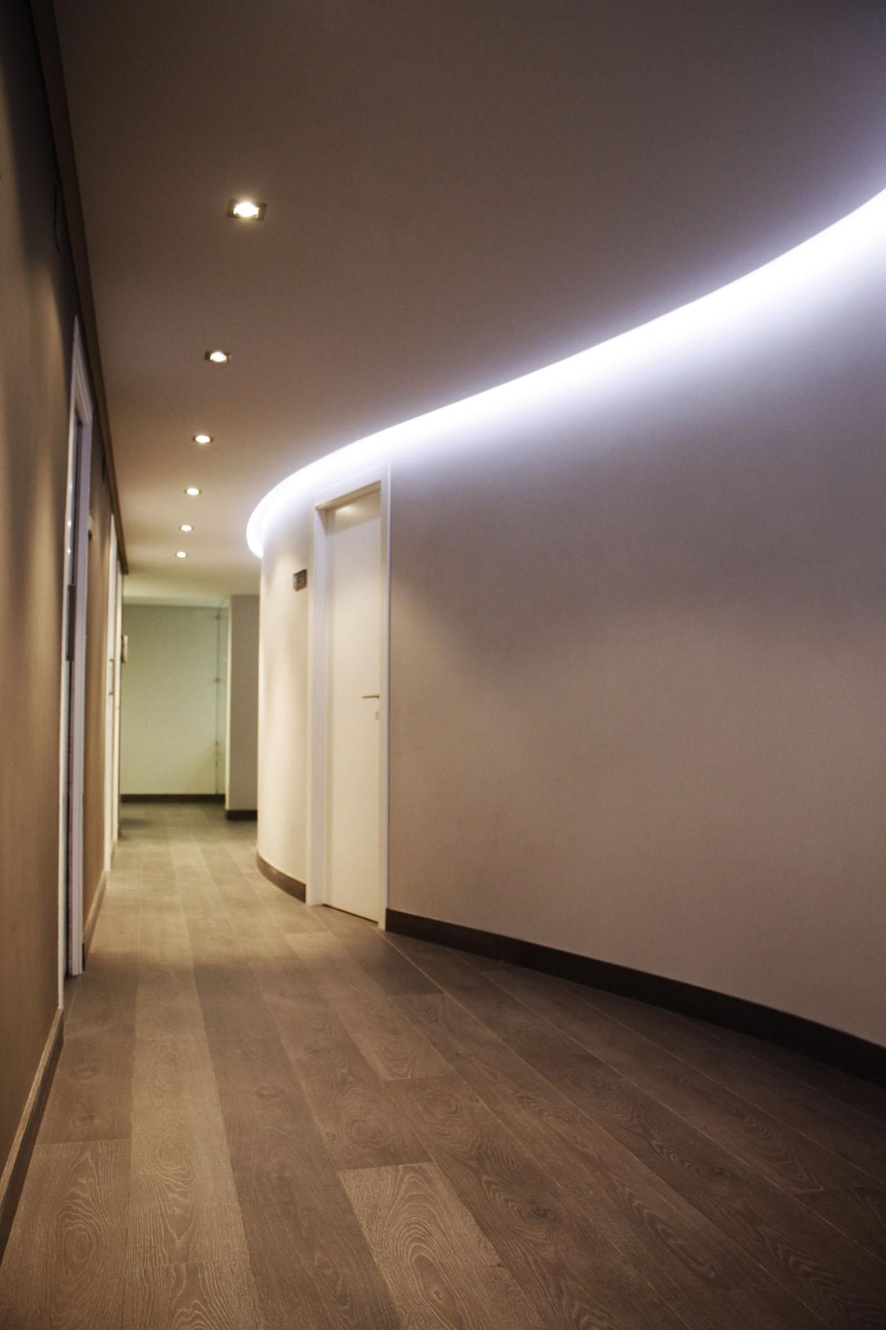 Reforma cl nica dental en x tiva valencia belda arquitecto - Luz led casa ...